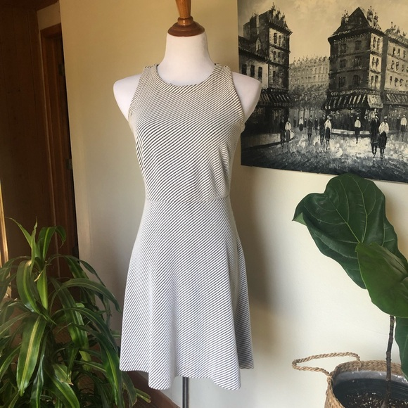 LOFT Dresses & Skirts - Loft dress ~ sz 0